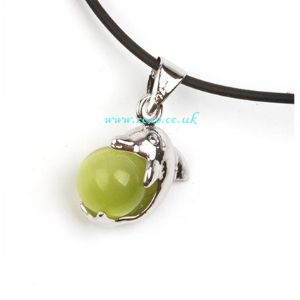 Green stone necklace, (jnn11)
